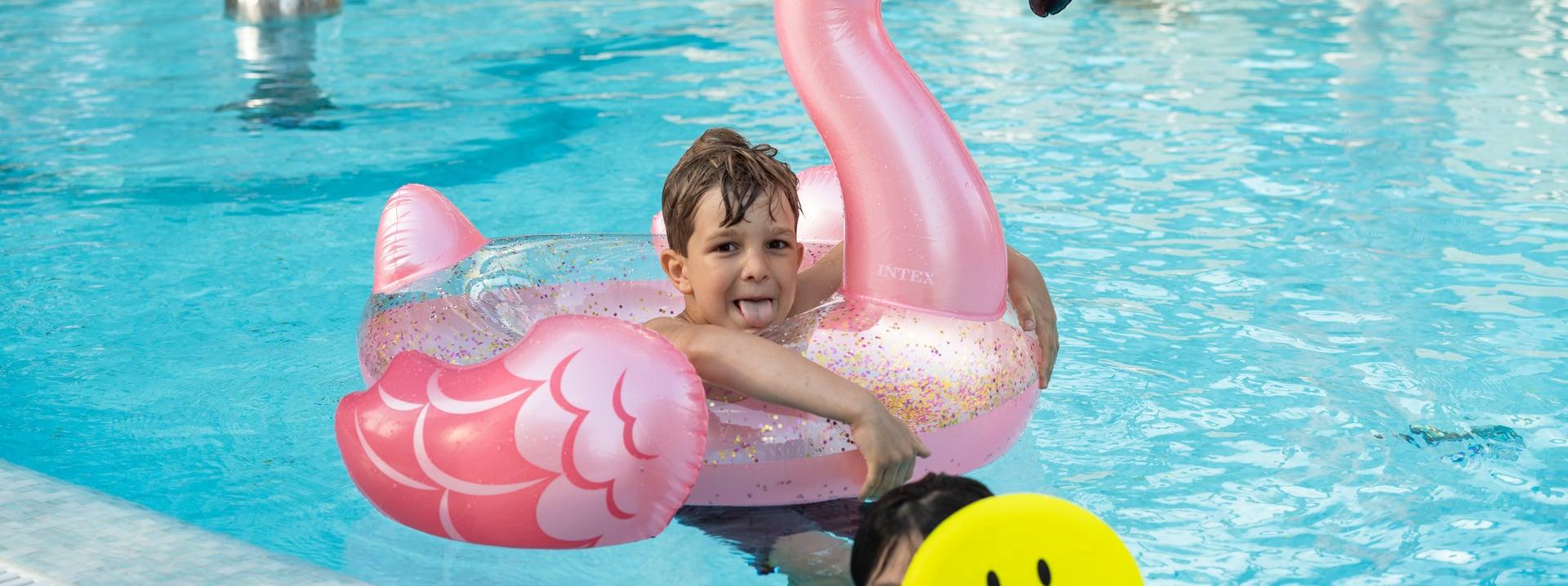 Piscina hotel jesolo con piscina hotel brioni - Hotel con piscina jesolo ...